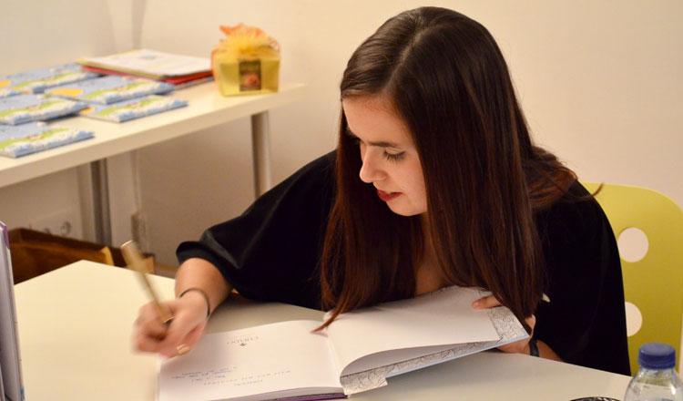 Alexandra Marguerita:Eu Li Ali junta ilustração com a poesia – Entrevista