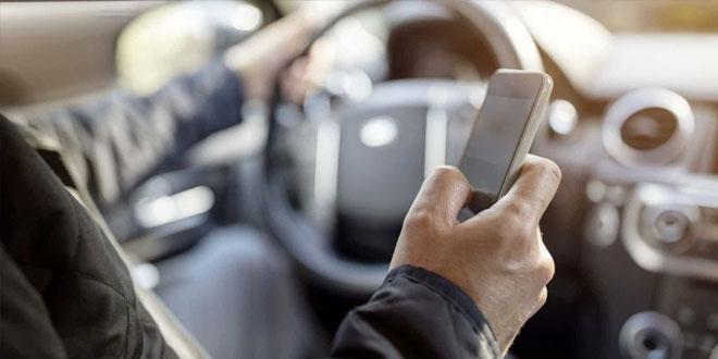 Mais de 70% dos portugueses utilizam o telemóvel durante a condução